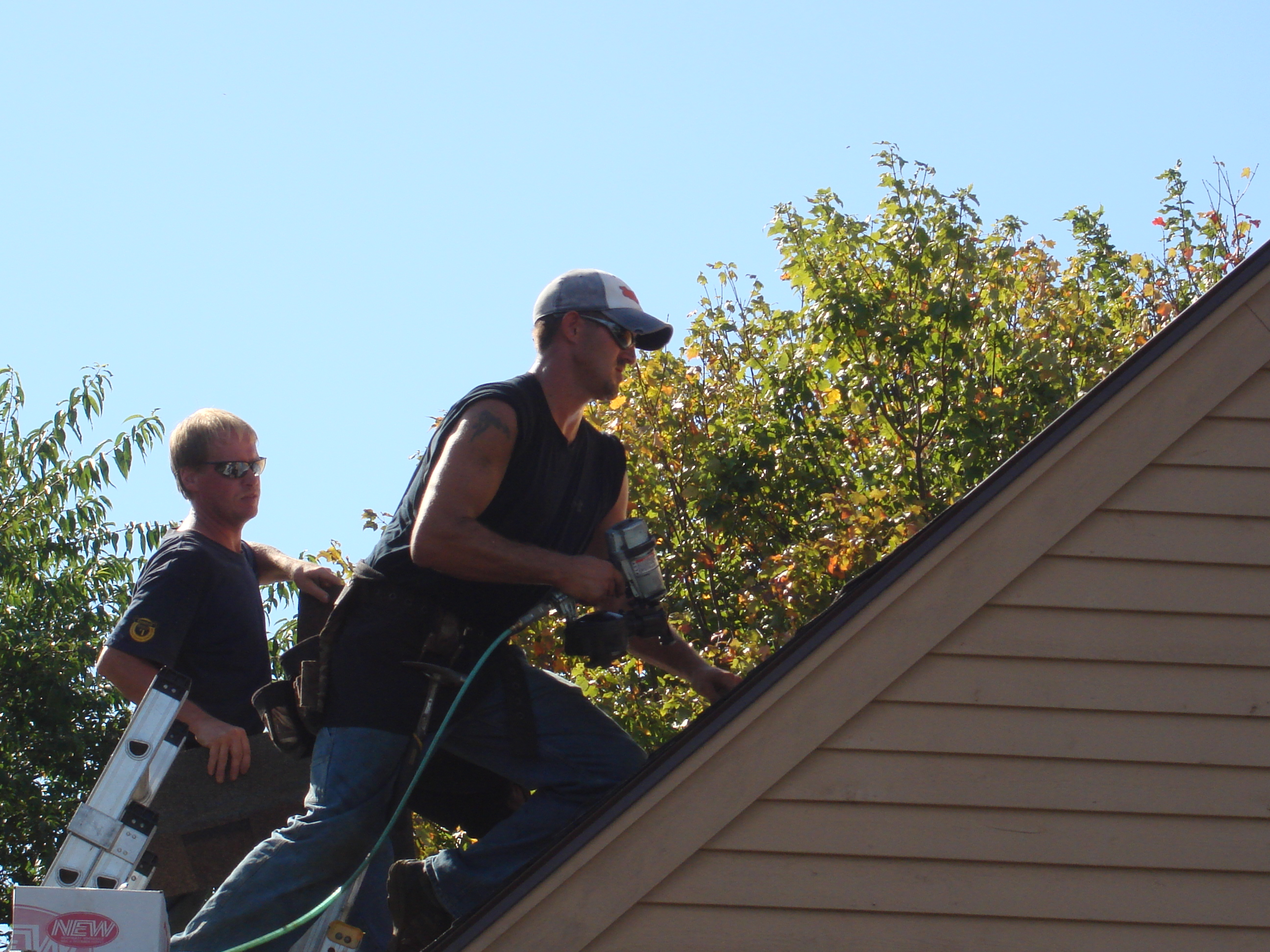 Coil Roofing Nailers   How To Install Asphalt Shingles